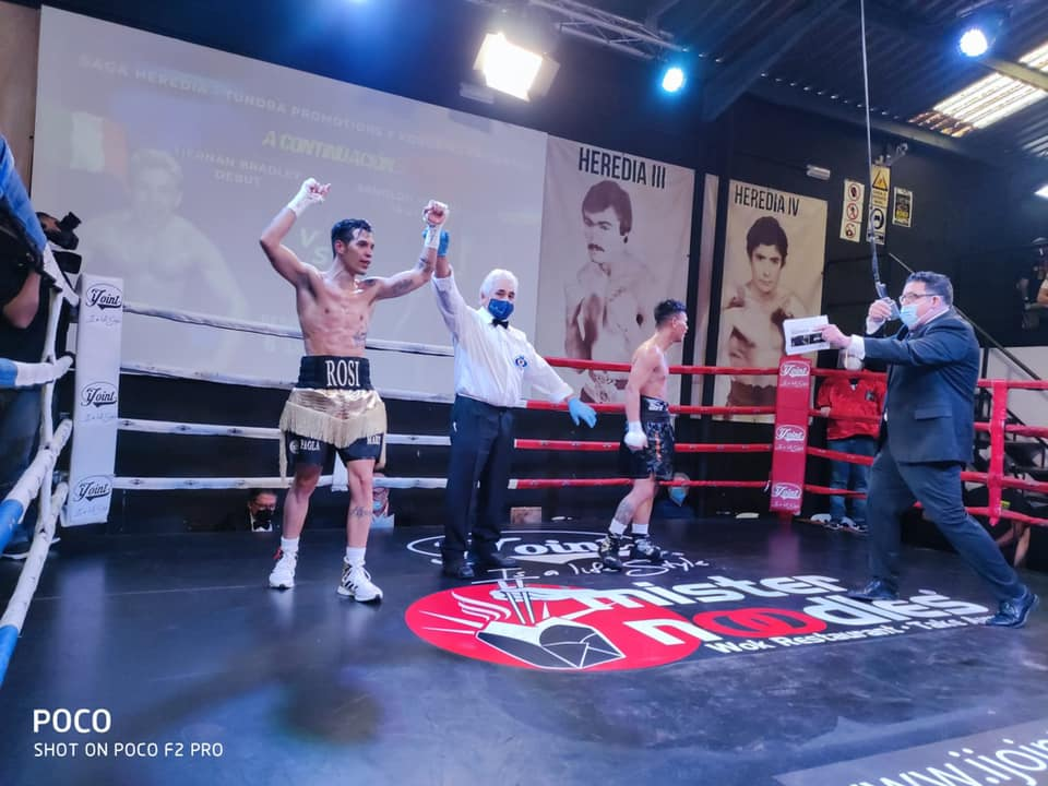 Jordi Martínez comienza en el boxeo profesional con victoria