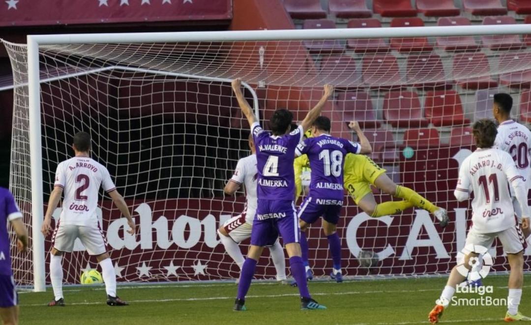 El Alba se juega la permanencia durante el próximo mes y medio