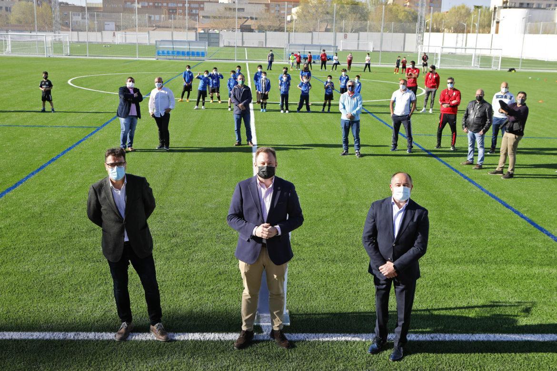 Cuatro campos de fútbol estrenan tapetes de césped artificial en Albacete