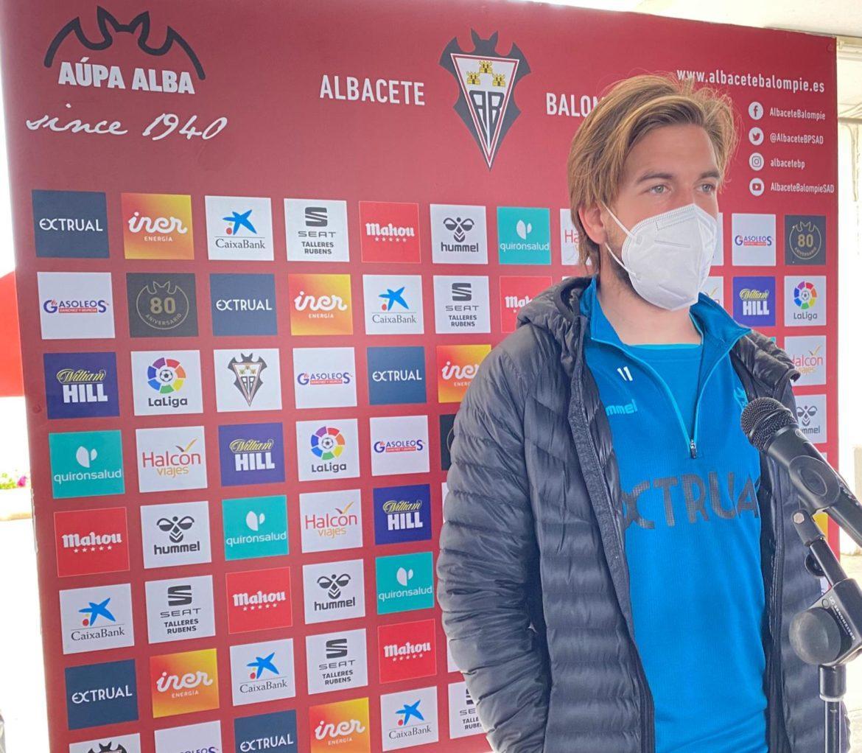 """Álvaro Jiménez: """"Creo en mi equipo porque lo veo entrenar cada día"""""""