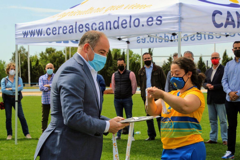 El Ayuntamiento agradece a FECAM la elección de la ciudad como sede de competiciones de nivel como el Campeonato Regional de Atletismo