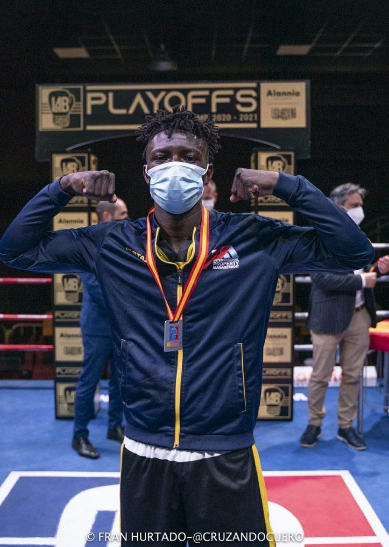 Elvis Sangou, subcampeón de la Liga Alannia de boxeo olímpico