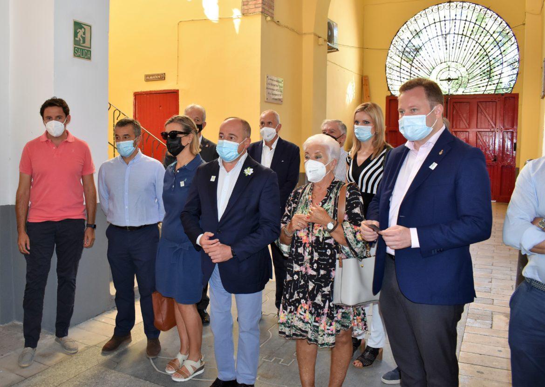 El Ayuntamiento y la afición taurina rinden homenaje póstumo a Constantino González y Luis Natalio Cuesta, por su legado como presidentes de la plaza de toros